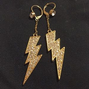 Betsy Johnson Earrings! ⚡️